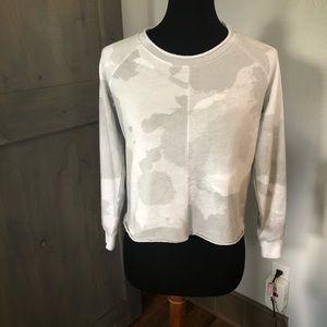 Alternative Apparel Cropped light Camo sweatshirt